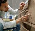 Interieur-Designer Oliver Heilmer bei der Arbeit (Foto: BMW)