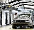 Produktion neuer 5er BMW: lackkontrolle in Dingolfing (Foto: BMW)