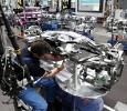 Produktion neuer 5er BMW: Achsmontage (Foto: BMW)