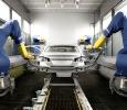 Produktion neuer BMW 5er: Lackierei mit Robotern (Foto: BMW)