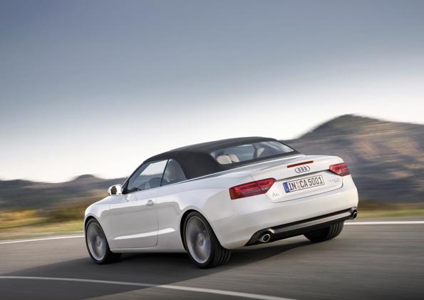 Auch geschlossen wirkt das Cabrio dynamisch (Foto: Audi)