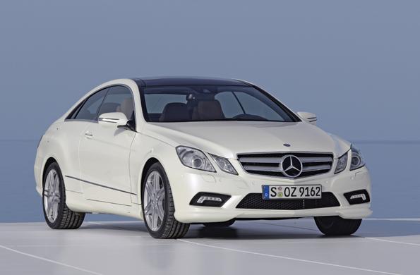 Mercedes-Benz E-Klasse, E 500 Coupé mit Sport-Paket AMG, Exterieur (Foto: Mercedes-Benz)