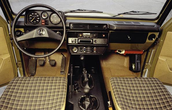 Da war die G-Klasse noch Nutzfahrzeug. Interieur eines der frühen Modelle (Foto: Mercedes-Benz)
