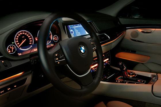 Das Cockpit des neuen 5er Gran Turismo (Foto: BMW)