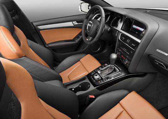 Gut verarbeitet und mit einem Tick Sportlichkeit: Das Interieur des neuen Audi A5 Sportback (Foto: Audi)