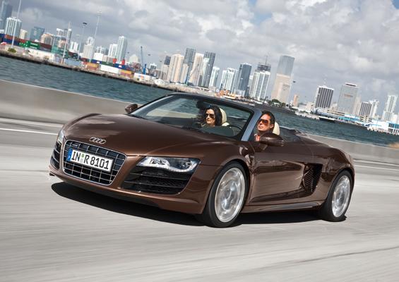 Fährt bis zu 313 km/h schnell: Der Audi R8 Spyder (Foto: Audi)