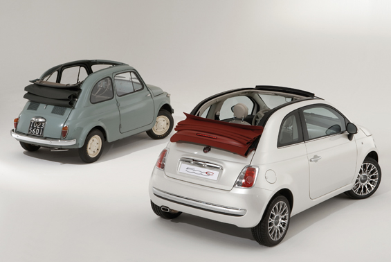 %0 jahre Automobilentwicklung trennen den Nuova 500 vom 500C (Foto: Fiat)