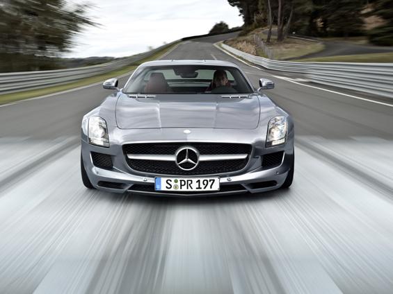 Der Mercedes-Benz SLS AMG steht in GranTurismo5 als Supersportwagen zur Auswahl (Foto: Daimler)
