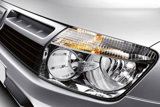 Hochwertige Verarbeitung und moderne Scheinwerfertechnologie bei Dacia Duster (Foto: Dacia)