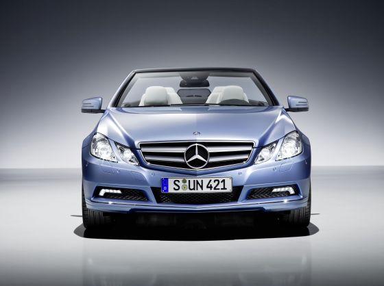 Auch bei dem E-Klasse-Cabrio steht das Frontdesign für den Anspruch der Marke (Foto: Daimler)