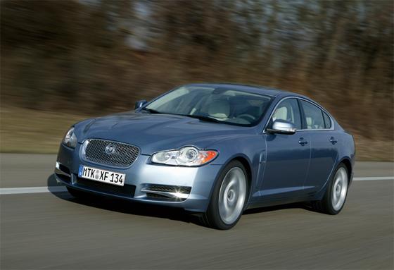 Der Jaguar XF gewinnt die Leserwahl von ams in der Kategorie Importfahrzeuge der Oberen Mittelklasse (Foto: Jaguar)