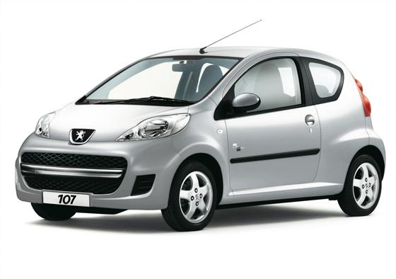 Der Toyota Rückruf weitet sich nun auch auf Peugeot und Citroen aus. Im Bild der betroffene Peugeot 107 aus tschechischer Produktion (foto: Peugeot)