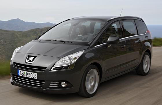 Jetzt in der Business-Line Ausstattung aufgewertet: der Peugeot 5008 (Foto: Peugeot)
