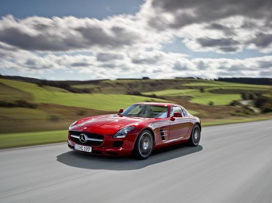 Die Vorbereitungen für den Verkaufsstart am 27. März 2010 sind für den Mercedes-BENZ SLS AMG im vollem Gange (Foto: Daimler)