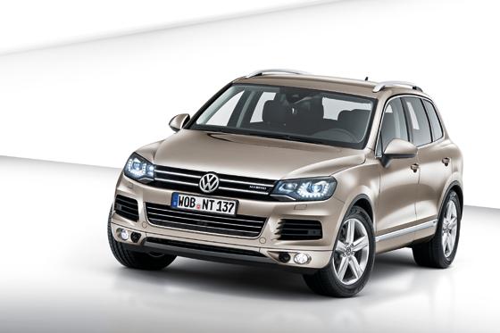 Der neue Volkswagen Touareg bringt einige technische Highlights mit und verbraucht spürbar weniger (Foto: Volkswagen)
