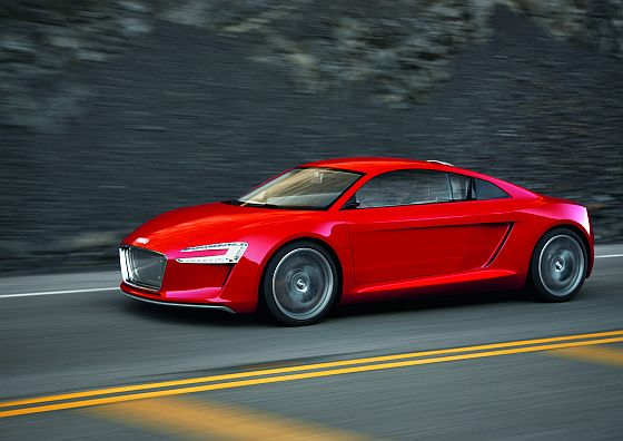Nahm zwar an der Rallye nicht teil, gewann aber den Design Award: Der Audi Elektrofahrzeug-Prototyp e-tron (Foto: Audi)