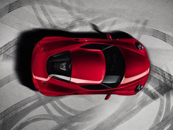 Seltene Perspektive: Blick von oben auf den neuen Alfa Romeo 4C. Foto: Alfa Romeo.