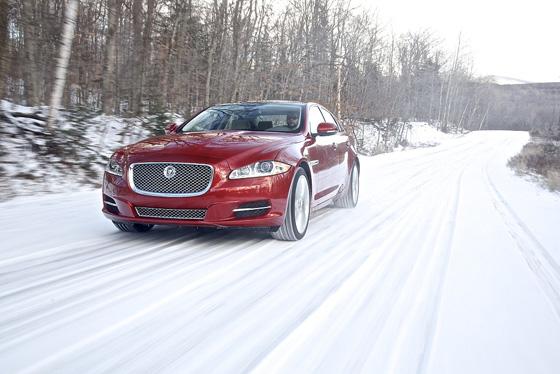Jaguar bietet den XJ jetzt mit Allradantrieb an. Foto: Jaguar.