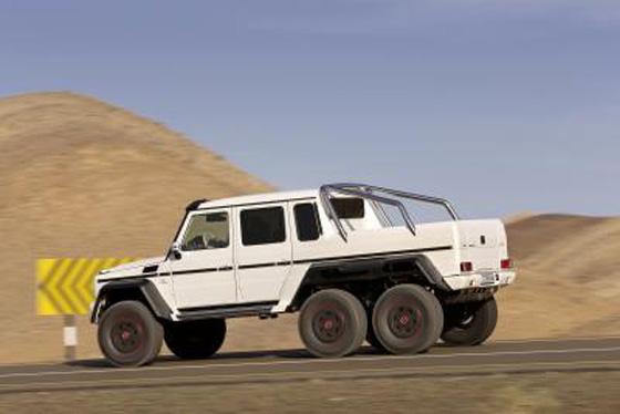 Showcar mit Serienchancen: G-Modell mit drei Achsen auf 37 Zoll großen Rädern. Foto: Daimler.