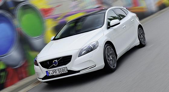 Kommt mit erweiterter Ausstattung zum Angebotspreis: Das Volvo Sondermodell V40 You!
