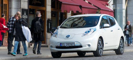 Nissan feiert den 100 000sten Leaf. Seit einer Preissenkung auf 26 690 Euro steigt auch in Deutschland die Nachfrage.