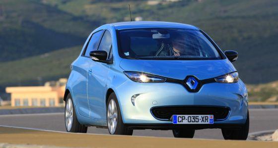 Der Renault Zoe wurde von vornherein als Elektrofahrzeug entwickelt. Im Idelafall schaftt er mehr als 200 Kilometer mit einer Aufladung seiner geleasten Batterien. (Foto: Renault)