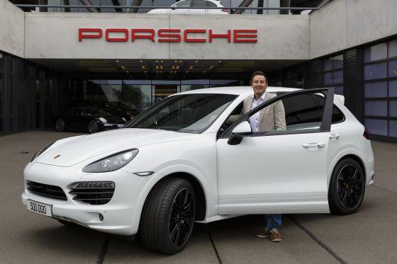 In Leipzig wurde der 500.000ste Porsche Cayenne an seinen Käufer übergeben. (Foto: Porsche)