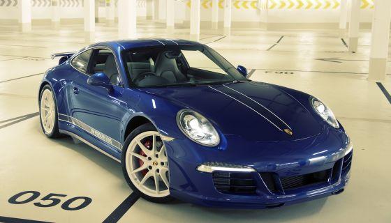 Im Jubiläumsjahr stellt Porsche einen einzigartigen 911 Carrera 4S vor. Er wurde nach dem Wunsch von 54 000 Social Media-Anwendern gestaltet (Foto: Porsche SE)