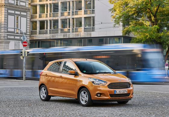 Der neue Ford Ka+ zeigt sich mit fast vier Metern Länge deutlich gewachsen im Vergleich zum Vorgänger. Foto: Ford.